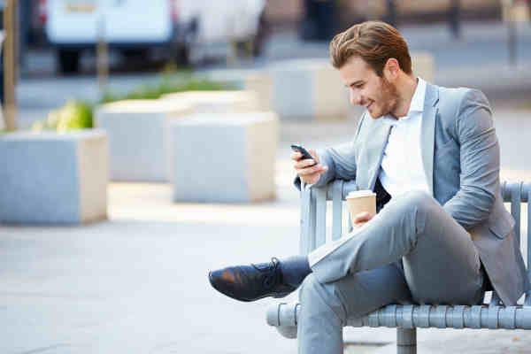 Dovezile sunt clare! Utilizarea telefoanelor mobile cauzeaza aparitia cancerului!